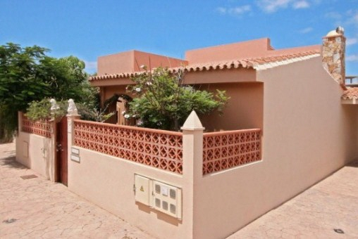 Charming corner bungalow close to the beach of Corralejo, Fuerteventura