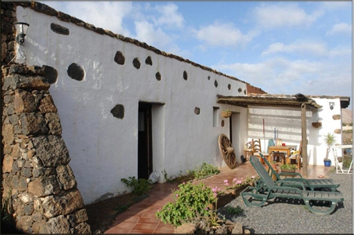 Charming Completely Refurbished House in La Oliva